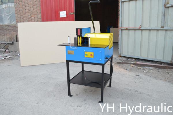 Máquina de corte da mangueira